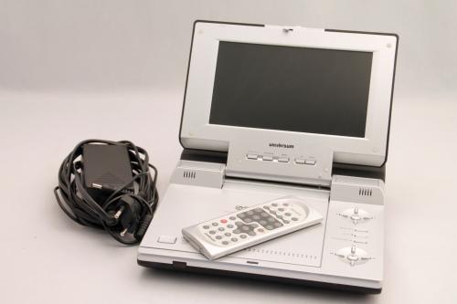 Universum-PDVD-LCD-3053-tragbarer-DVD-Player-gebraucht-sehr-gut