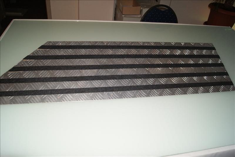 auffahrrampe bordsteinrampe bordsteinkeil rollstuhlrampe. Black Bedroom Furniture Sets. Home Design Ideas