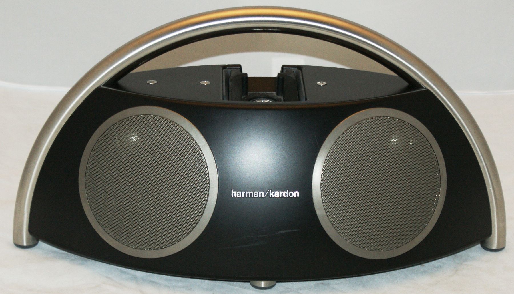 harman kardon go play ii tragbarer high end lautsprecher. Black Bedroom Furniture Sets. Home Design Ideas