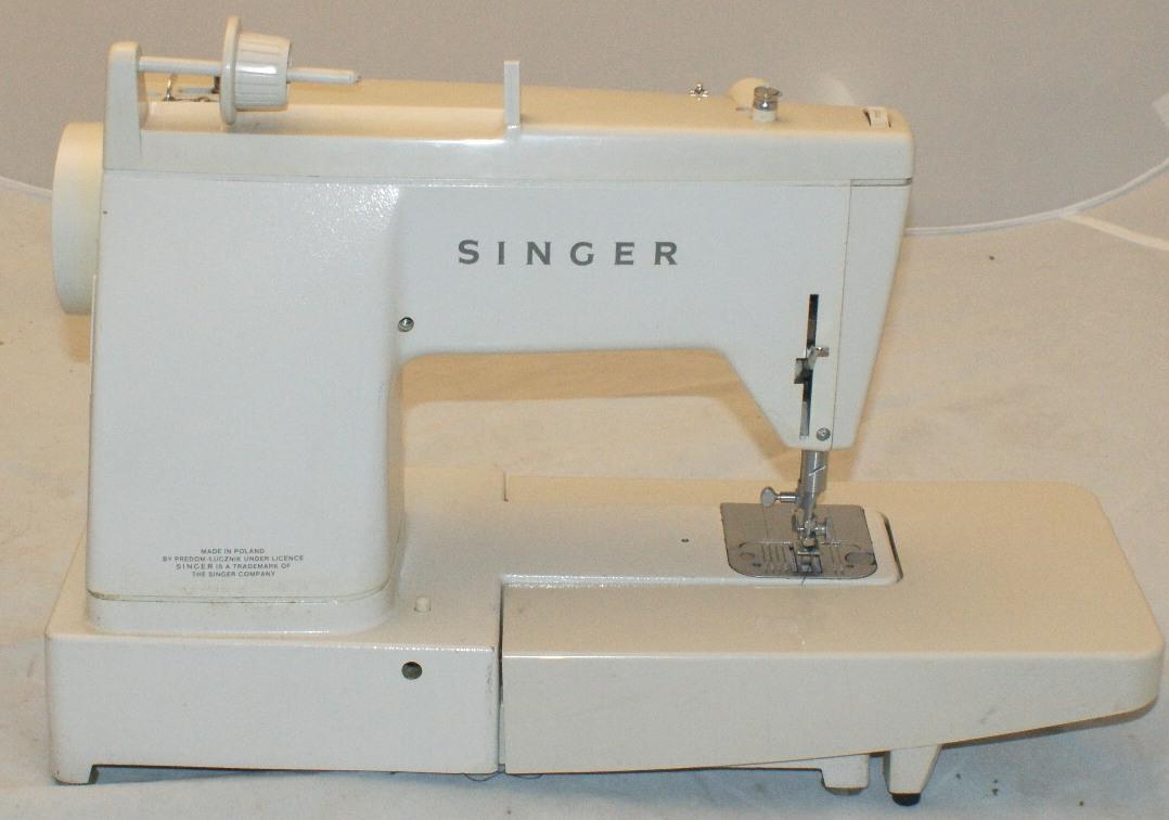 singer stylist 833 n hmaschine vermutlich 70er jahre ebay. Black Bedroom Furniture Sets. Home Design Ideas
