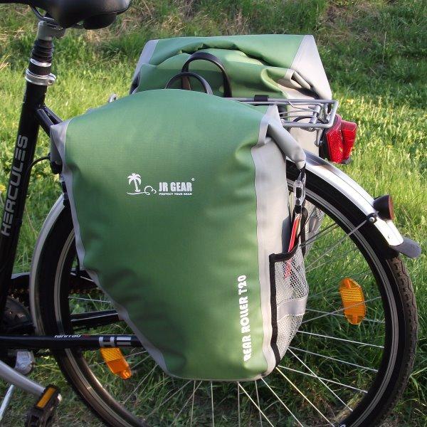 wasserdichte fahrrad gep cktr ger taschen 2 x 20 l gr n ebay. Black Bedroom Furniture Sets. Home Design Ideas