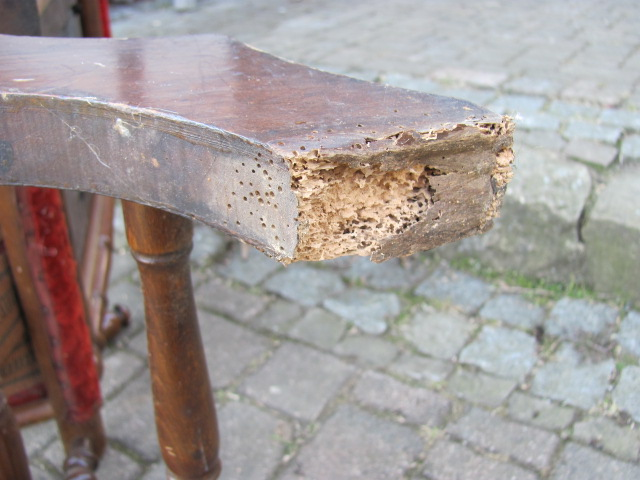 Schaukelstuhl nussbaum massiv zum aufarbeiten ebay for Schaukelstuhl massiv