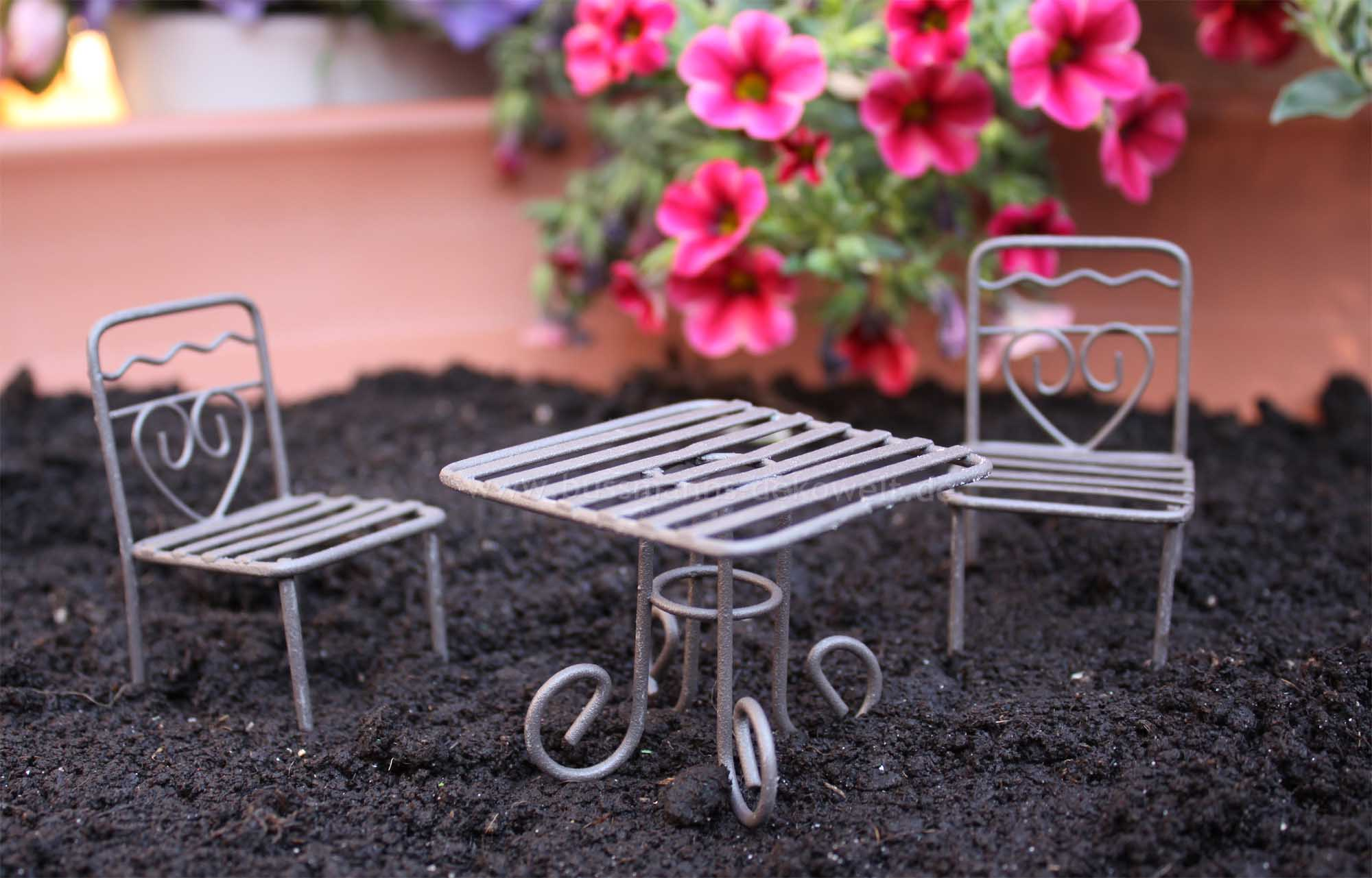 mini garten gartentisch eckig mit st hlen braun minigarten mini garten deko ebay. Black Bedroom Furniture Sets. Home Design Ideas
