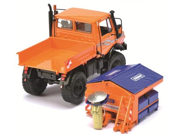 schuco unimog 1600 orange mit schneepflug streuer 1 32. Black Bedroom Furniture Sets. Home Design Ideas