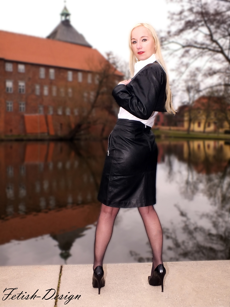 leather skirt knee length black classy leather skirt soft. Black Bedroom Furniture Sets. Home Design Ideas