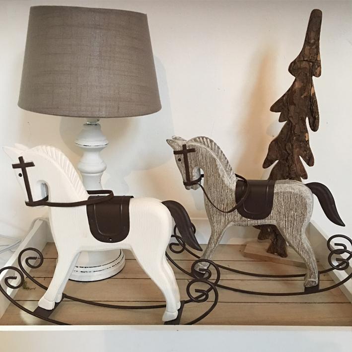 Schaukelpferd Christmas Pferd Weihnachten Deko Shabby: Dekofigur SCHAUKELPFERD Holz Braun Weiß Weihnachten