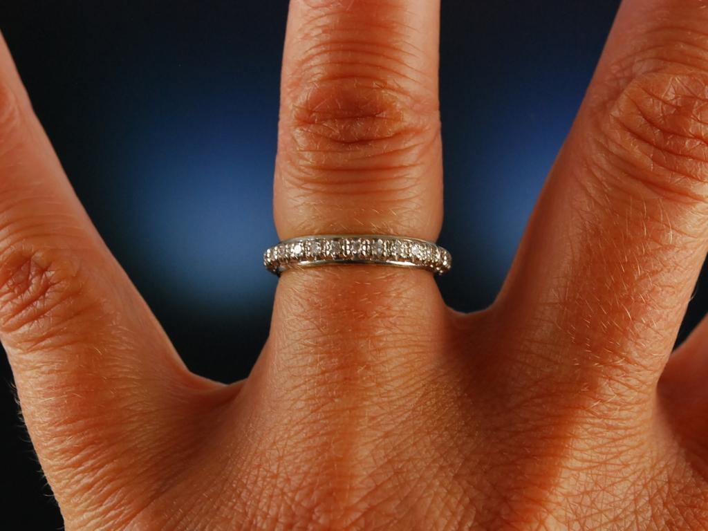 brillantring memory ring gold 750 diamanten 0 6 carat tw vsi memoire ebay. Black Bedroom Furniture Sets. Home Design Ideas