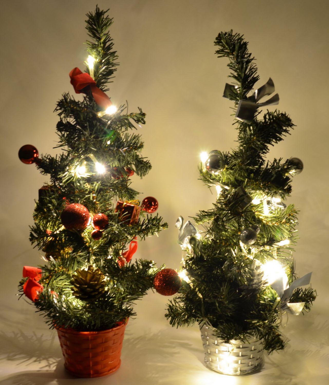 led weihnachtsbaum tannenbaum 45cm k nstlich mit beleuchtung und deko 2 farben ebay. Black Bedroom Furniture Sets. Home Design Ideas