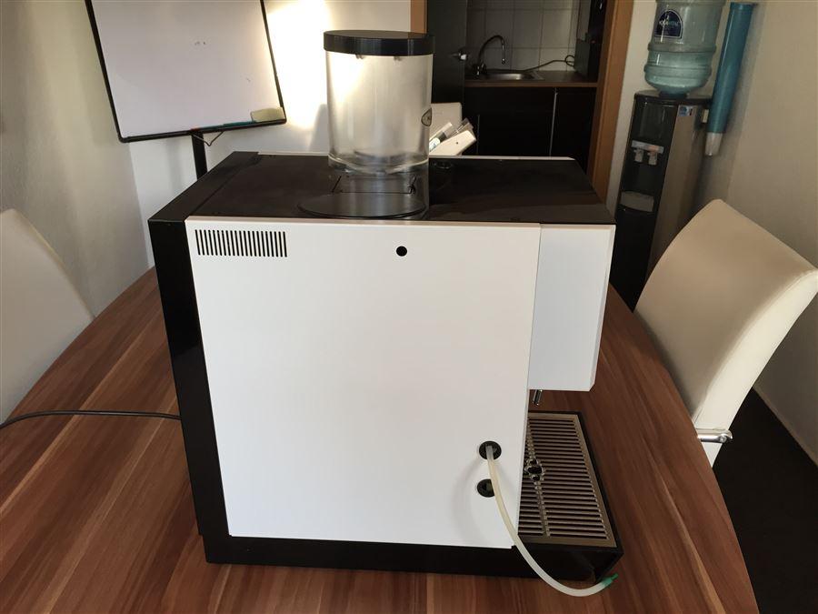 Kaffeevollautomat gebraucht WMF Prestolino weiß aus 2011