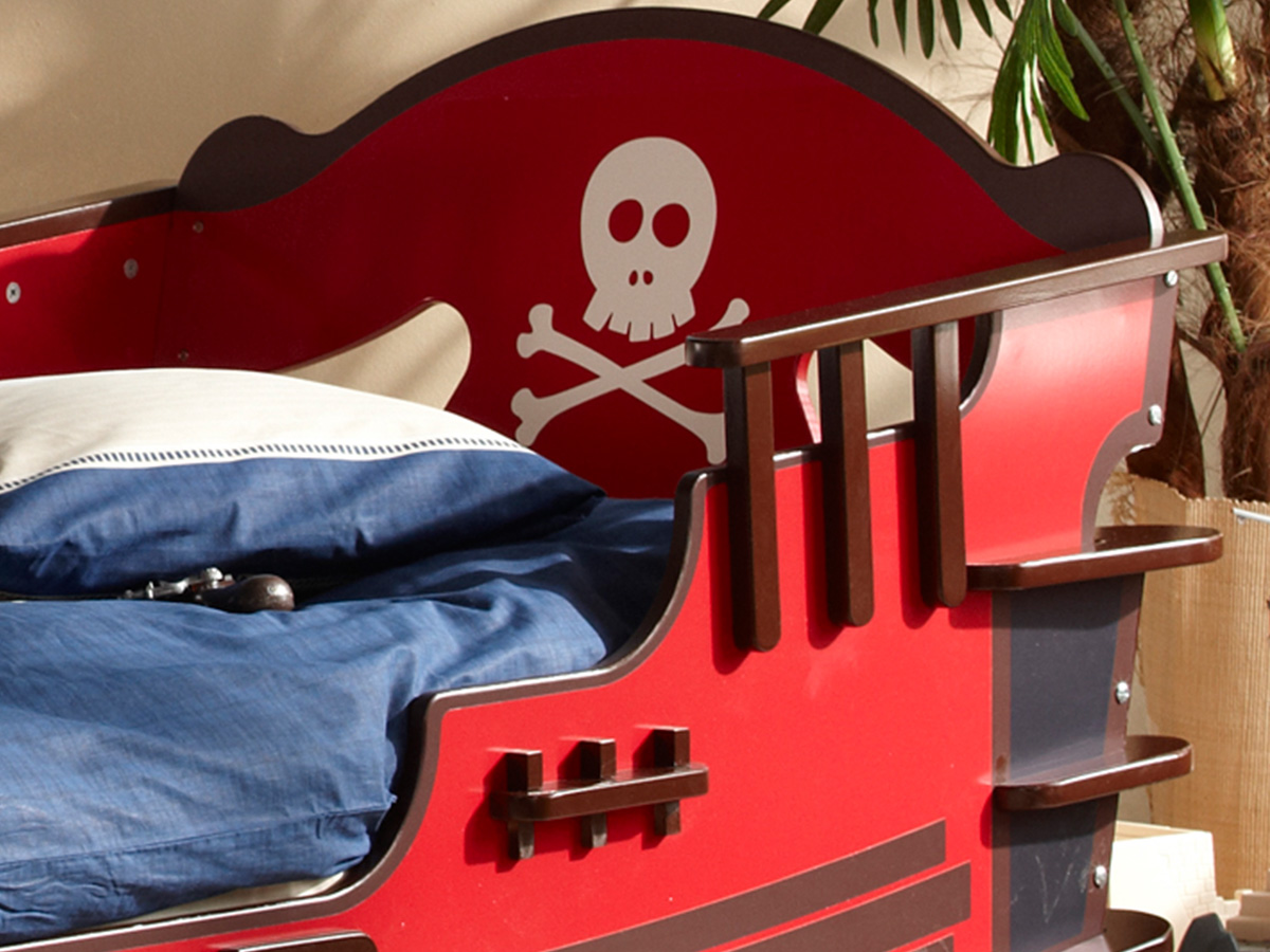 piratenbett kinderbett piraten seer uber boot schiff bett. Black Bedroom Furniture Sets. Home Design Ideas