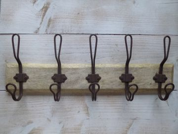 Garderobe mit 5 haken holzleiste wandgarderobe holz metall for Garderobenleiste landhausstil