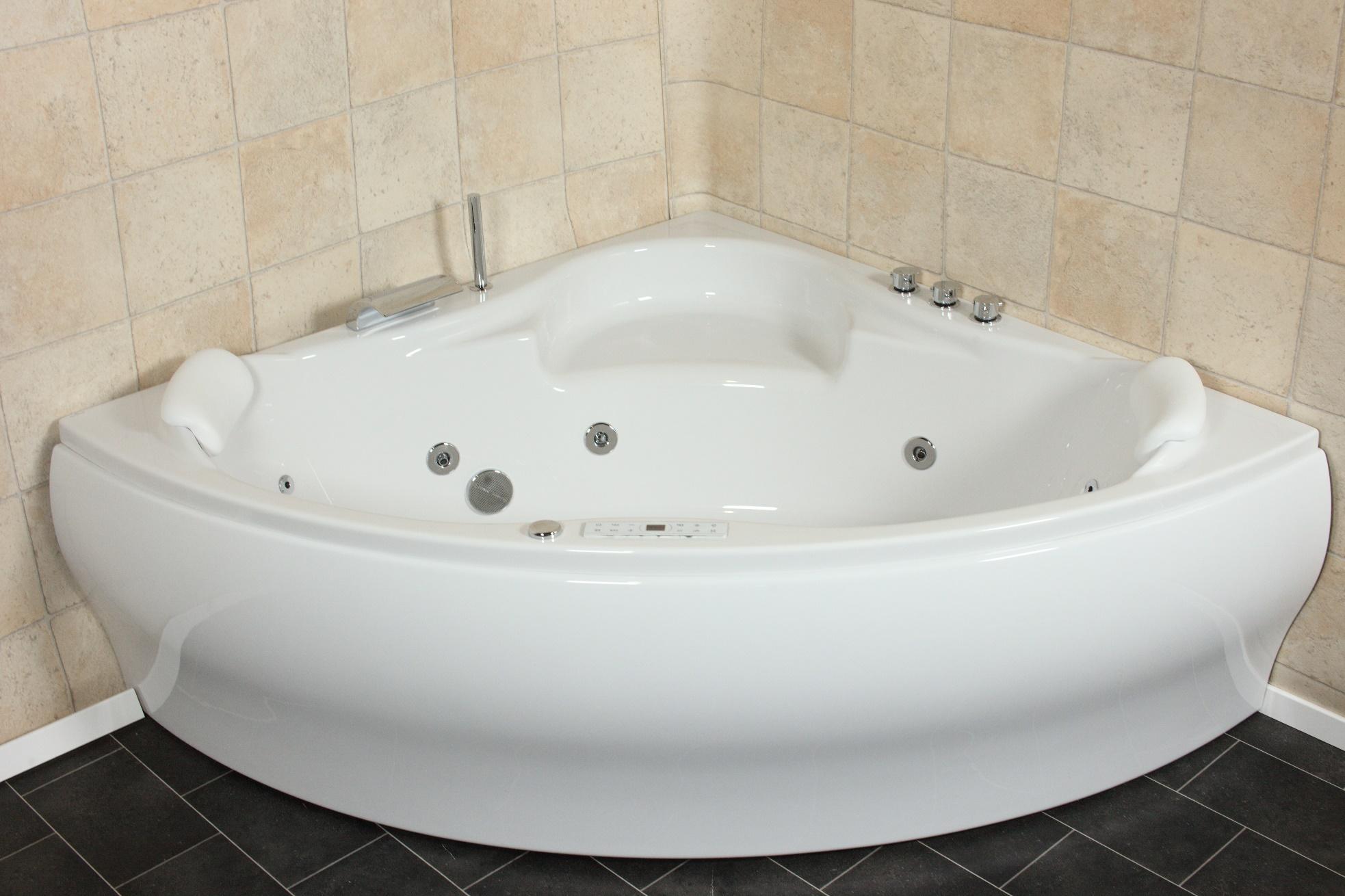 whirlpool badewanne 24 massage düsen heizung ozon led radio tv, Hause ideen