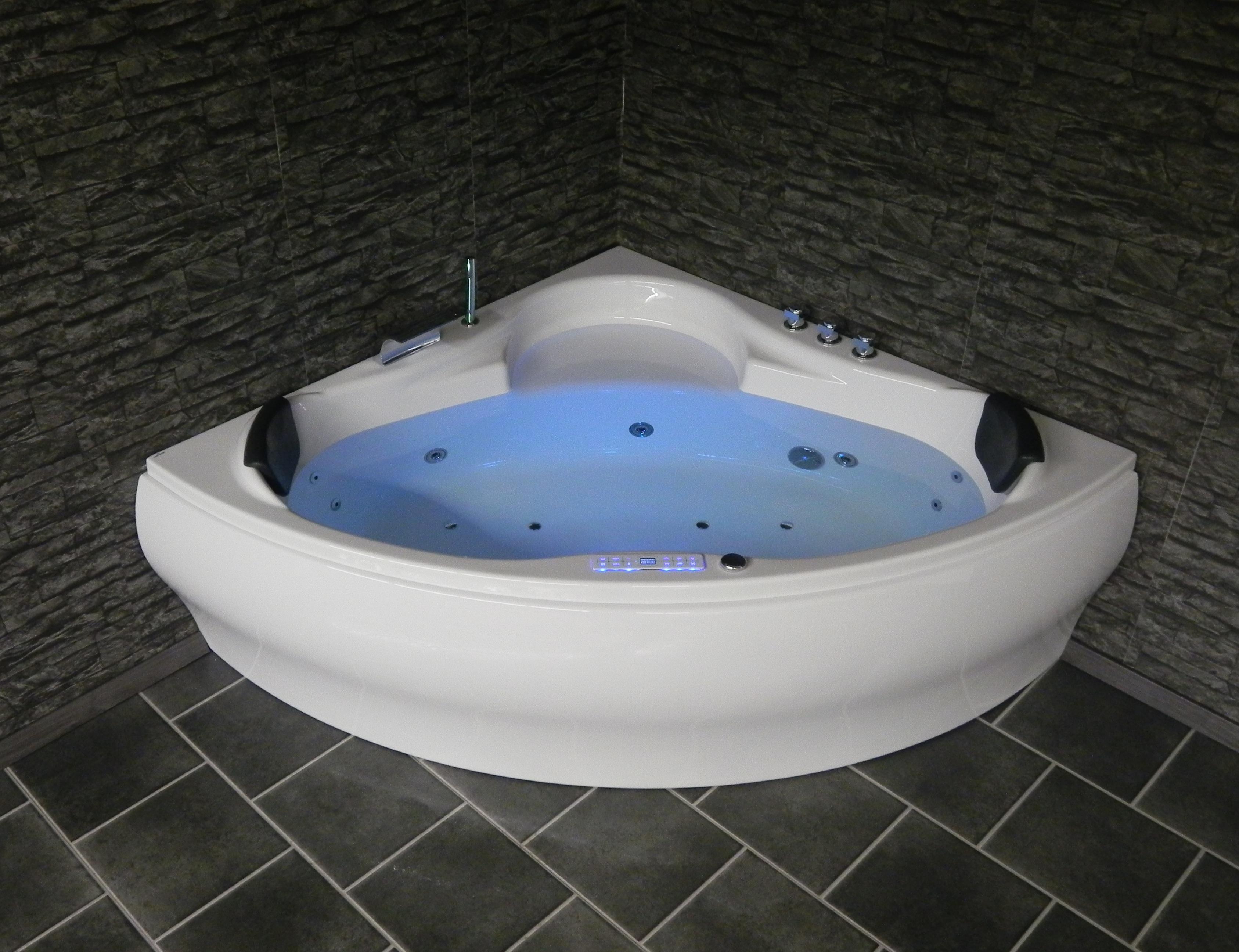 Dina Premium - Luxus Whirlpool Dreieck Badewanne Jacuzzi Spa Radio ... Varianten Der Whirlpool Badewanne