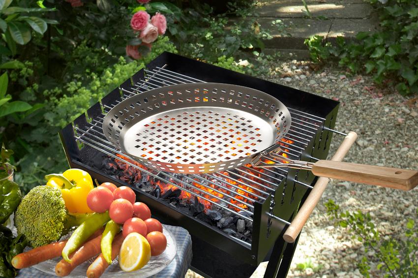 grillpfanne aus edelstahl m klappbarem griff auch f r gem se grill rost grillen ebay. Black Bedroom Furniture Sets. Home Design Ideas
