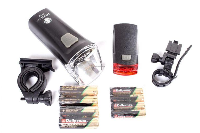 batterie fahrrad beleuchtung b chel led licht set 60 lux scheinwerfer r cklicht ebay. Black Bedroom Furniture Sets. Home Design Ideas
