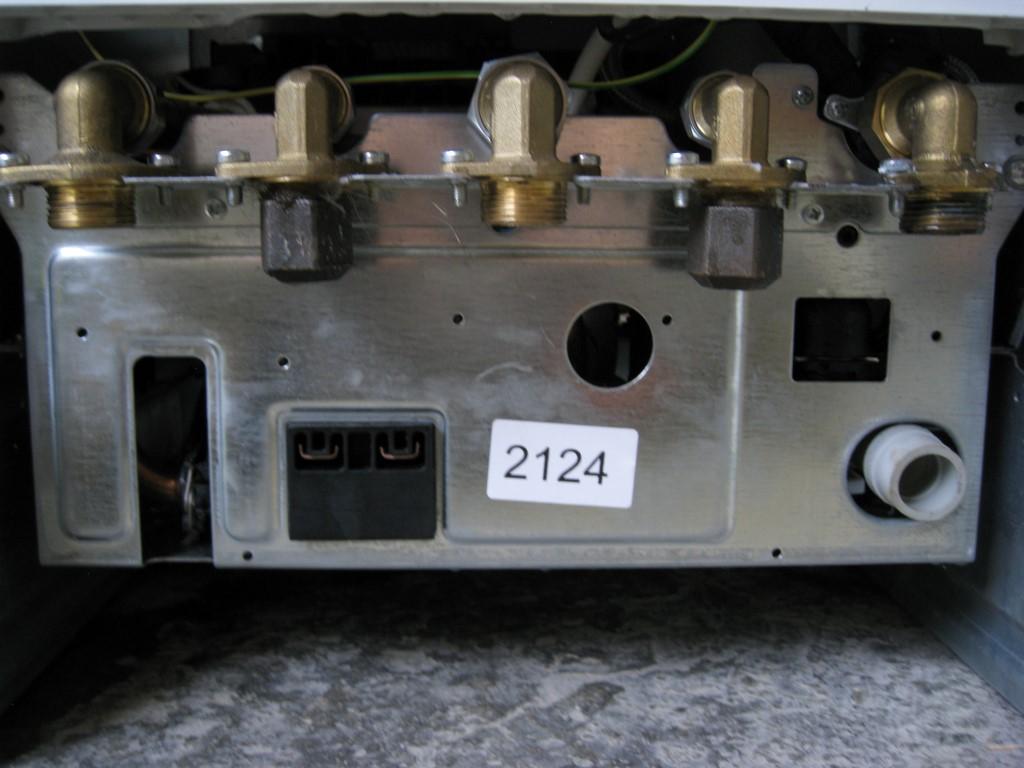 gastherme sieger junkers baujahr 2009 10 9 24kw ebay. Black Bedroom Furniture Sets. Home Design Ideas