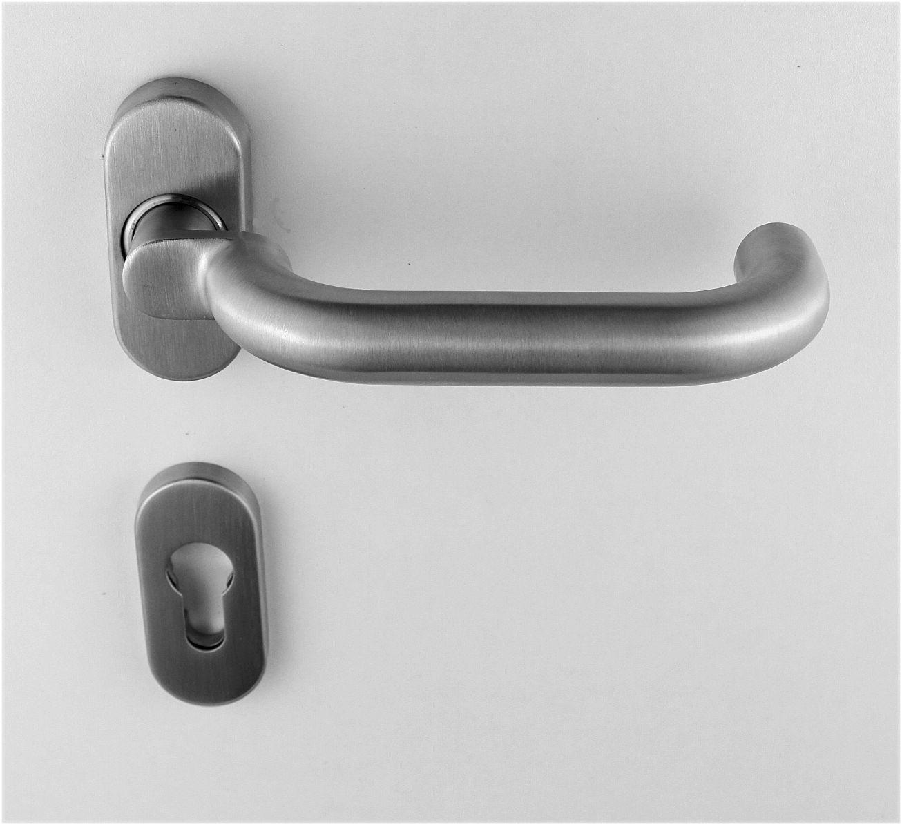 edelstahl haust r griff halbgarnitur auf ovalrosette u form gekr pft ebay. Black Bedroom Furniture Sets. Home Design Ideas