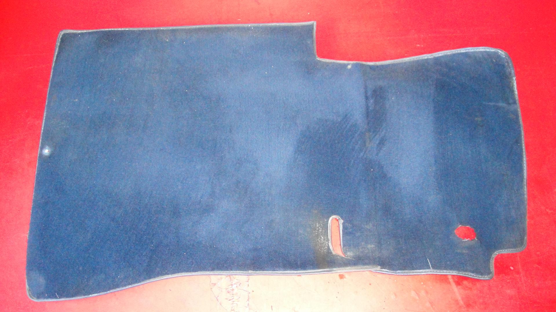teppich fu raum fahrerseite blau mercedes w126 se sec. Black Bedroom Furniture Sets. Home Design Ideas