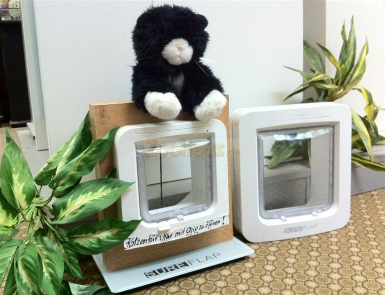 sureflap xxl mikrochip katzenklappe haustierklappe wei. Black Bedroom Furniture Sets. Home Design Ideas