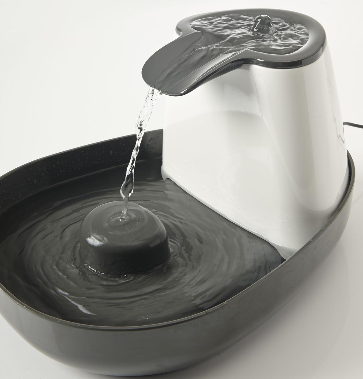 trinkbrunnen cascade mit 3 trinkbereiche aus melamin f r. Black Bedroom Furniture Sets. Home Design Ideas